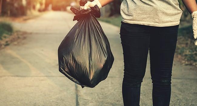 Norsk-Gjenvinning_Forbud-sort-søppelsekk-u_kryss