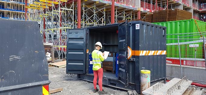 Norsk-Gjenvinning_farlig-avfall-på-byggeplass_56261629714