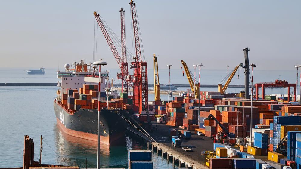 Norsk-Gjenvinning_ulovlig-eksport-av-avfall_miljøkriminalitet_foto_shutterstock_756227482