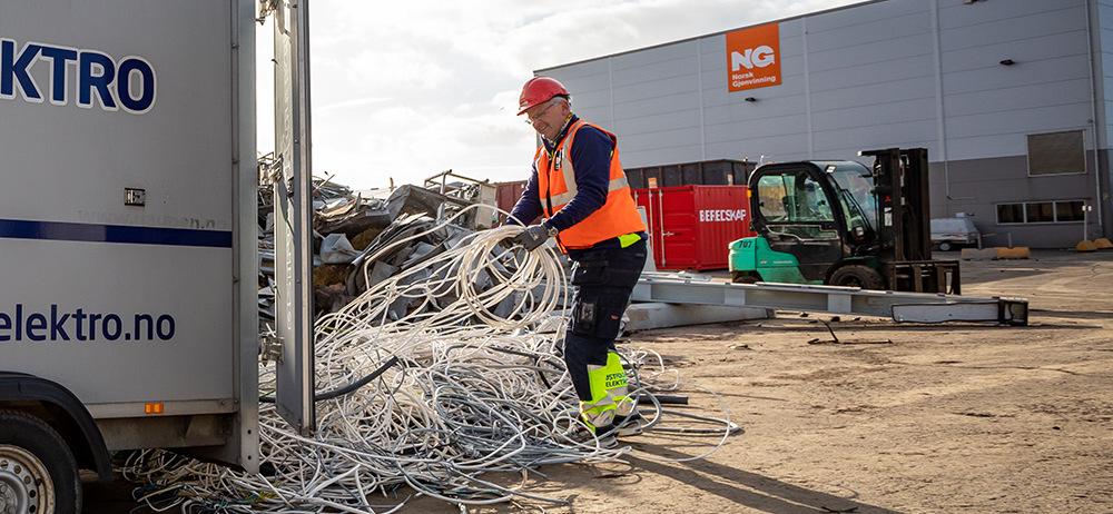 Entreprenør og håndverker kan tjene penger på å levere sortert metall til godkjent mottak, i stedte for å kaste metallrestene.